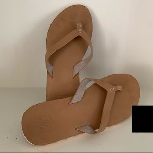Women's REEF Voyage Lite Leather Leather Sandals